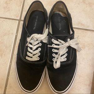 Women's Sz 11 Flat Runner Walking Shoes